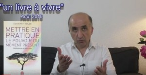 """""""Moment présent"""" : un livre pour réussir son changement de vie ; commentaire vidéo"""